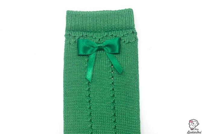 Calcetines verdes calados con lazo